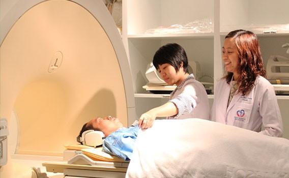 เครื่องตรวจคลื่นแม่เหล็กไฟฟ้า MRI (Magnetic Resonance)